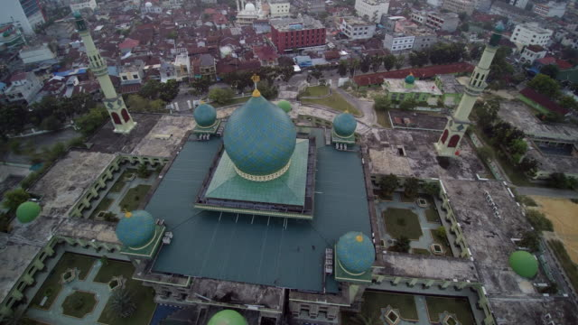 stockvideo's en b-roll-footage met great mosque an nur pekanbaru on sunset - 1963