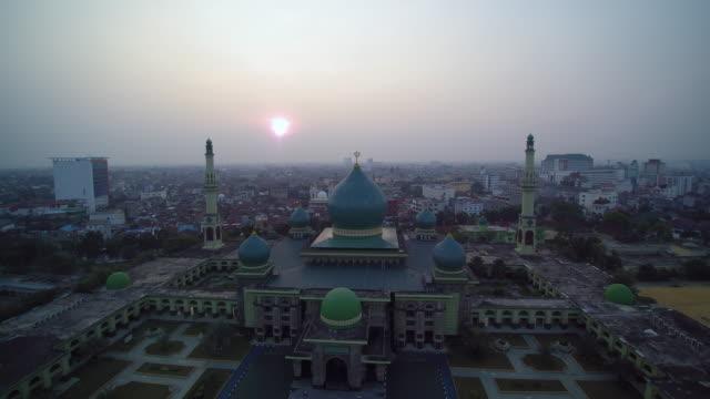great mosque an nur pekanbaru on sunset - 1963 stock videos & royalty-free footage