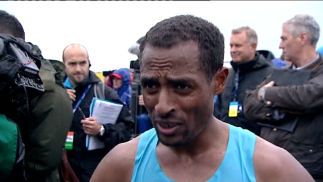 finish / medal ceremony and intvws england tyne and weir south shields ext athletes haile gebrselassie kenenisa bekele along at event / mo farah... - south shields stock videos & royalty-free footage
