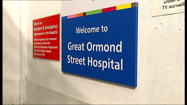 great ormond street hospital gvs; england: london: great ormond street: ext general views of great ormond street hospital including 'welcome' sign,... - street name sign stock videos & royalty-free footage