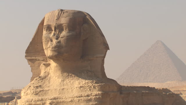 cu great sphinx of giza / giza, egypt - pyramid stock videos & royalty-free footage