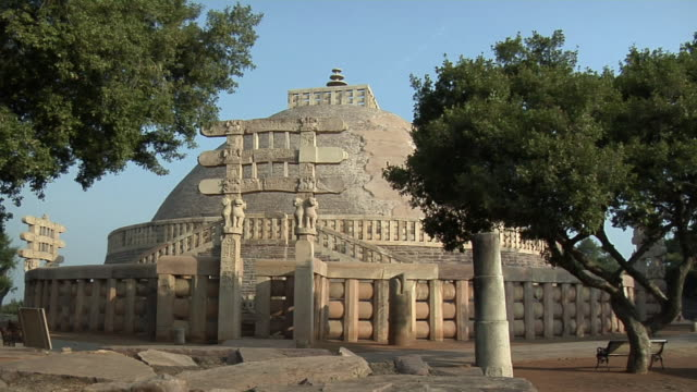 ms, great stupa, sanchi, madhya pradesh, india - stupa stock videos & royalty-free footage