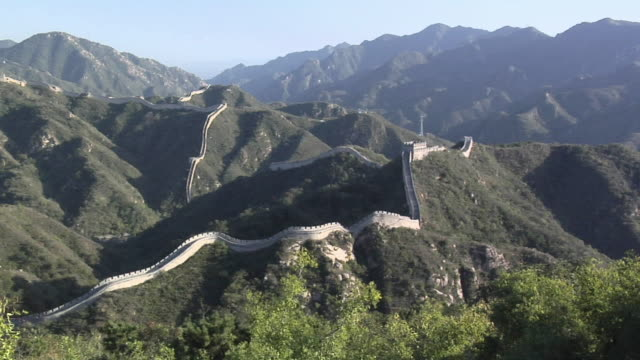 ha ws great wall and mountains at badaling/ beijing, china - badaling great wall stock videos & royalty-free footage