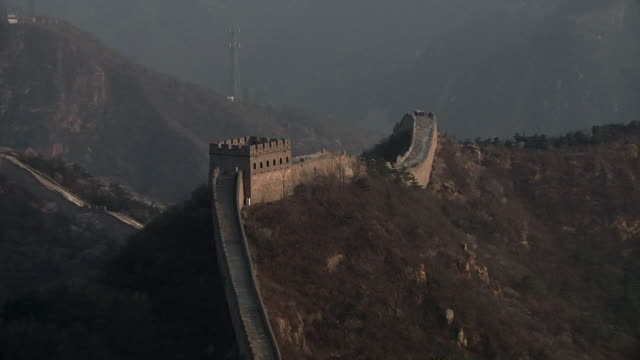 ws zo great wall of china at badaling / beijing, china - badaling great wall stock videos & royalty-free footage
