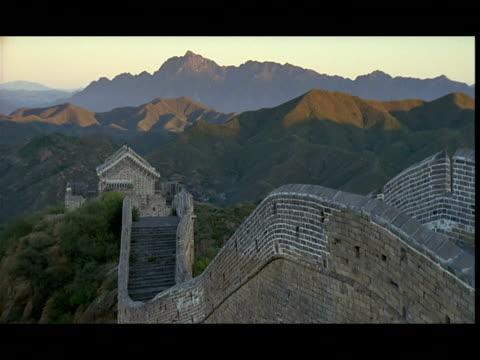 ws, ha, great wall of china at sunset, china - great wall of china stock videos & royalty-free footage