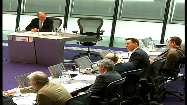 greater london authority: questions over bob kiley's consultancy; city hall: int livingstone speaking at london assembly meeting ken livingstone... - 50 seconds or greater点の映像素材/bロール