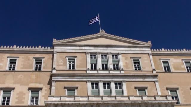 griechisches parlament - griechenland stock-videos und b-roll-filmmaterial