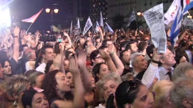greek prime minister alexis tsipras addresses supporters of the 'no' campaign at syntagma square in preparation for sunday's referendum on july 3... - sonntag stock-videos und b-roll-filmmaterial