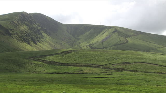 ws, green hills, kerry county, ireland - stationary process plate stock videos & royalty-free footage