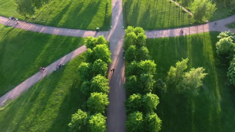 green park in the center of the city - public park stock videos & royalty-free footage
