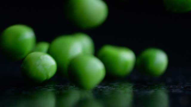 Green Peas Drop, Bounce & Roll