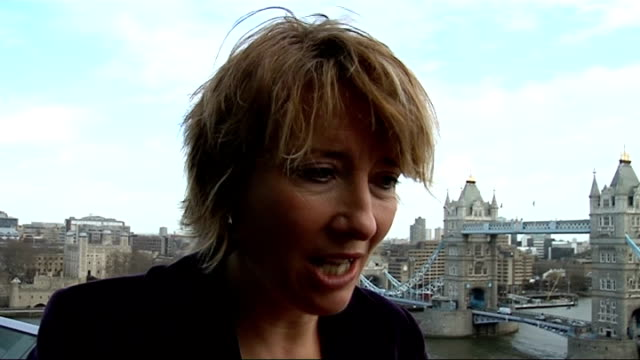 'green screen london' scheme launched; england: london: ext ken livingstone , emma thompson , alistair mcgowan and adrian wootton at launch of 'the... - アリステア マクゴワン点の映像素材/bロール