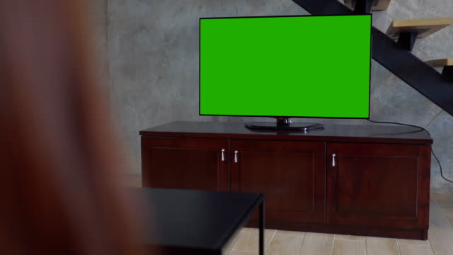 green screen tv on living room - computer monitor back stock videos & royalty-free footage