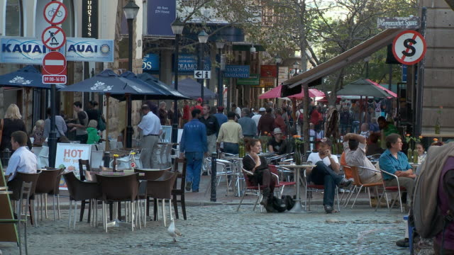 ws greenmarket square coffee shops, cape town, western cape, south africa - cape town stock videos & royalty-free footage