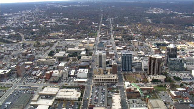 グリーンズボロ - 空中写真 - ノースカロライナ州ギルフォード郡、アメリカ合衆国 - ノースカロライナ州点の映像素材/bロール