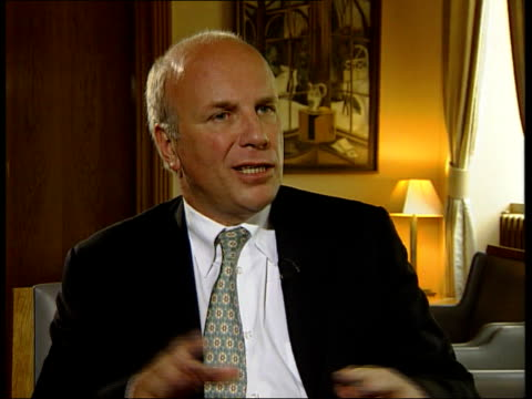 greg dyke new director general of bbc/political storm itn int greg dyke interviewed sot my job is to make sure that the programme makers have the... - greg dyke stock videos & royalty-free footage