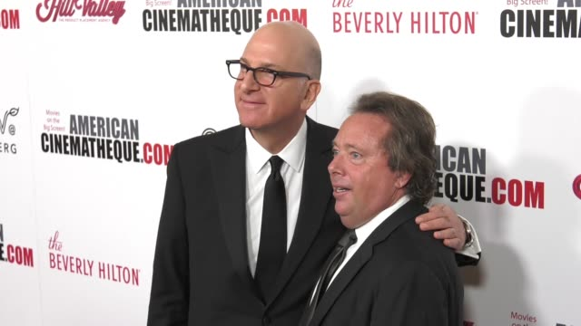 vídeos y material grabado en eventos de stock de greg foster and richard gelfond at the 31st annual american cinematheque awards honoring amy adams at the beverly hilton hotel on november 10 2017 in... - premio american cinematheque