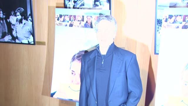 vídeos y material grabado en eventos de stock de greg germann at the 'wonderful world' premiere at west hollywood ca - west hollywood
