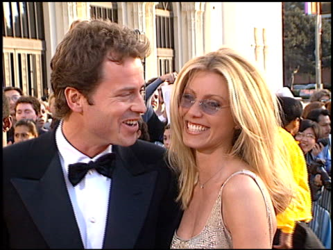 vídeos de stock e filmes b-roll de greg kinnear at the 1998 screen actors guild sag awards at the shrine auditorium in los angeles california on march 8 1998 - 1998