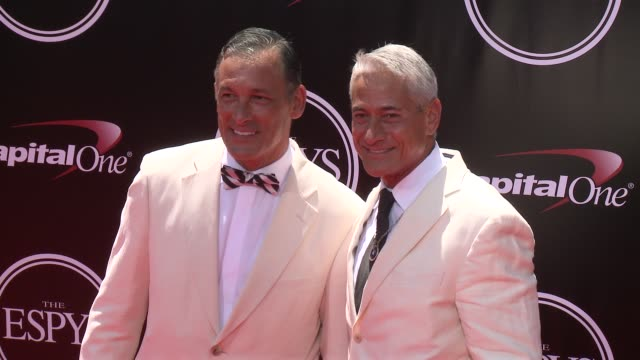 vídeos y material grabado en eventos de stock de greg louganis at the 2016 espy awards at microsoft theater on july 13 2016 in los angeles california - premios espy