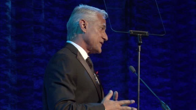 stockvideo's en b-roll-footage met speech greg louganis at the los angeles lgbt center's 47th anniversary gala vanguard awards at pacific design center on september 24 2016 in west... - anniversary gala vanguard awards
