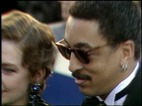 vidéos et rushes de gregory hines at the 1989 academy awards at the shrine auditorium in los angeles, california on march 29, 1989. - 61e cérémonie des oscars