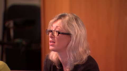 council meeting with victims; grenfell victims and local residents meeting with kensington & chelsea council leaders continued - including kim... - smith tower stock-videos und b-roll-filmmaterial