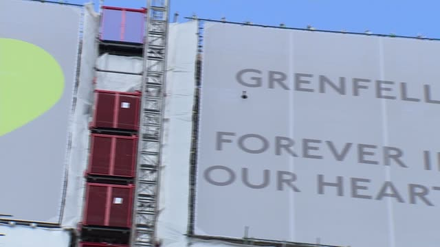 grenfell inquiry firefighter gives testimony of listening to victims die over the phone england london north kensington ext green love heart on... - ジャッキー ロング点の映像素材/bロール