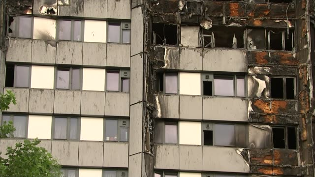 Leaked report says refurbishment 'turned tower into fire hazard' T13071730 / TX ENGLAND London North Kensington EXT Wide shot of firedestroyed...
