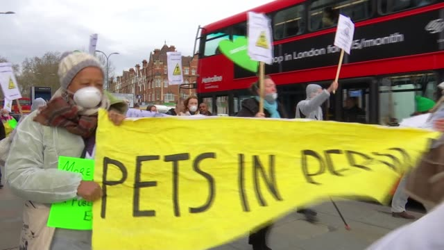 protesters condemn lack of cleanup by authorities after chemicals found near grenfell tower england london shepherd's bush ext protesters along... - chanting stock videos and b-roll footage