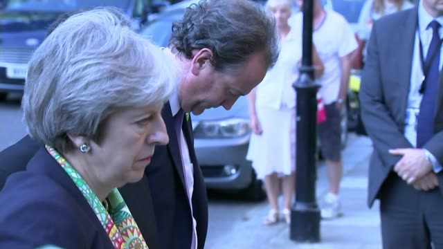 vídeos de stock, filmes e b-roll de schoolchildren visit theresa may at downing street t110618014 / north kensington st clement's church theresa may mp laying wreath may with head bowed... - theresa may