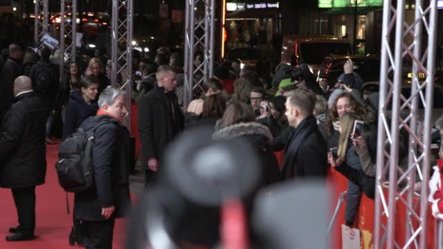 stockvideo's en b-roll-footage met greta gerwig at 'maggies plan' red carpet 66th berlin international film festival at berlinale palast on february 15 2016 in berlin germany - internationaal filmfestival van berlijn 2016