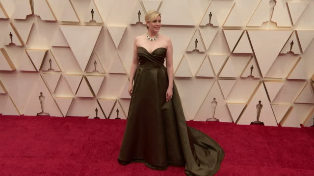 greta gerwig walking the red carpet at the 92nd annual academy awards at the dolby theater in los angeles, california. - music or celebrities or fashion or film industry or film premiere or youth culture or novelty item or vacations 個影片檔及 b 捲影像