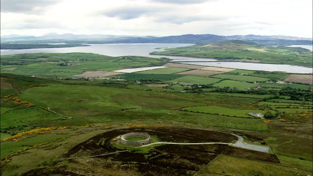 grianan ailigh 古代サイト航空写真-アルスター、ドニゴール、アイルランド - アルスター州点の映像素材/bロール