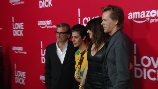 """griffin dunne, roberta colindrez, kathryn hahn and kevin bacon at red carpet premiere of amazon's forthcoming series """"i love dick"""" at linwood dunn... - キャスリン ハーン点の映像素材/bロール"""