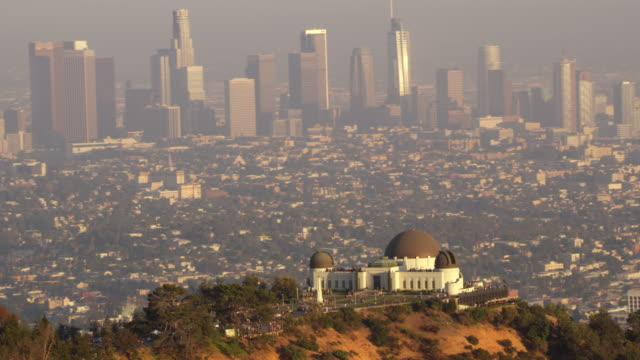 aerial griffith observatory above la - griffith observatory stock videos & royalty-free footage