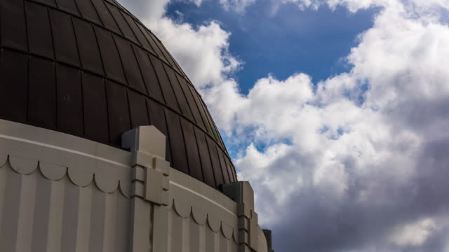 griffith park observatory timelapse - griffith observatory stock videos & royalty-free footage