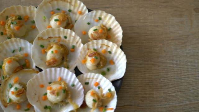grilled scallop shell with butter and garlic