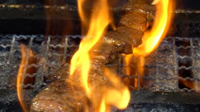 grilling beef - grigliare video stock e b–roll