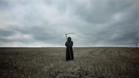 vídeos de stock e filmes b-roll de a morte - final