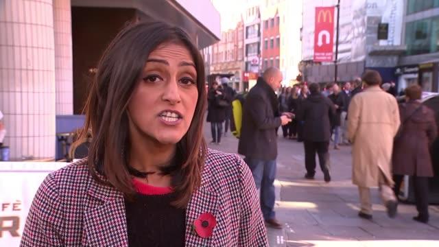 vídeos de stock, filmes e b-roll de grimsby named as uk's most 'unhealthy' high street england london chancery lane reporter to camera - estilo de vida insalubre