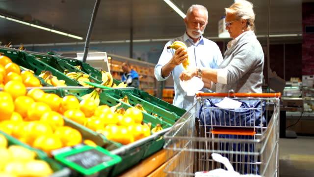grocery shopping - cassetta video stock e b–roll