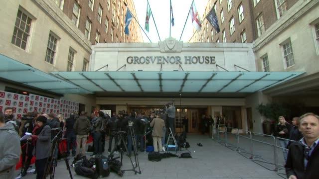 vídeos y material grabado en eventos de stock de grosvenor house hotel at the q awards at london england. - hotel grosvenor house londres