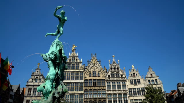 Grote Markt in Antwerp with fountain