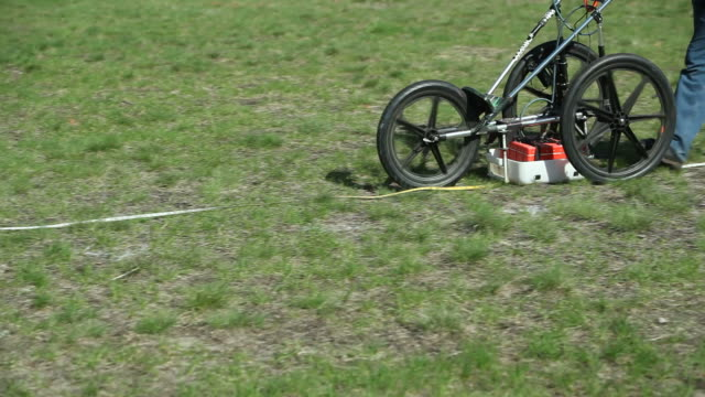 ground penetrating radar (gpr) scanning for buried objects - archaeology stock videos & royalty-free footage