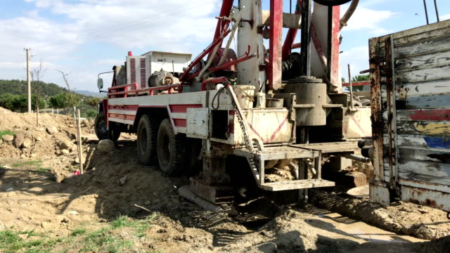 ground water well drilling machine - practice drill stock videos & royalty-free footage