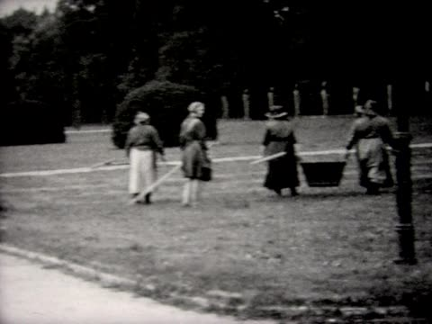 1930 groundskeepers at Palace of Versailles