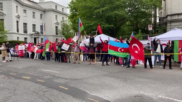 """group from the turkish-us community here in washington protested president joe biden's recognition of 1915 events as """"genocide"""" on saturday. the... - 会長点の映像素材/bロール"""