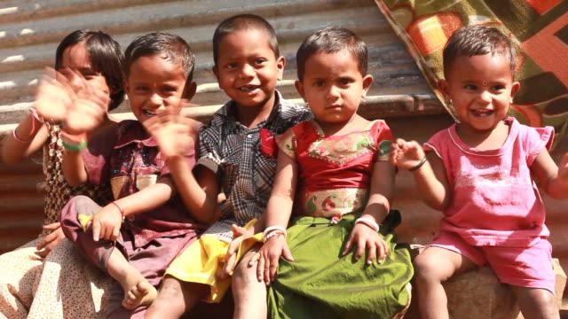 Gruppe von fröhlich ländlichen Indien Kinder