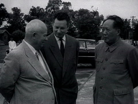 ms group of chinese leaders and mao for khrushchev's departure at peking airport and shaking hands audio / beijing pekin peking beijing china - anno 1958 video stock e b–roll
